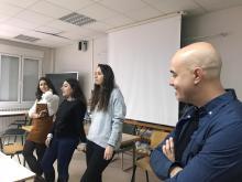 Charla de divulgación del programa Erasmus+ llevada a cabo por 3 antiguas alumnas de Integración Social (Manuela, Raquel y Estela) contando su experiencia de hace 2 años en Italia al alumnado de 1º y 2º de IS de este curso.