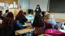 Charla divulgativa de Erasmus+ llevada a cabo por una alumna, Mary, contando su experiencia en Rivarolo (Turín) de este año al alumnado de 2º APSD
