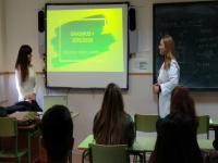 Charla de divulgación del programa Erasmus+ llevada a cabo por 1 alumna, Ana Belén (acompañada de su profesora Isabel), contando su experiencia de hace 1 año en Cork al alumnado de GA de este curso.